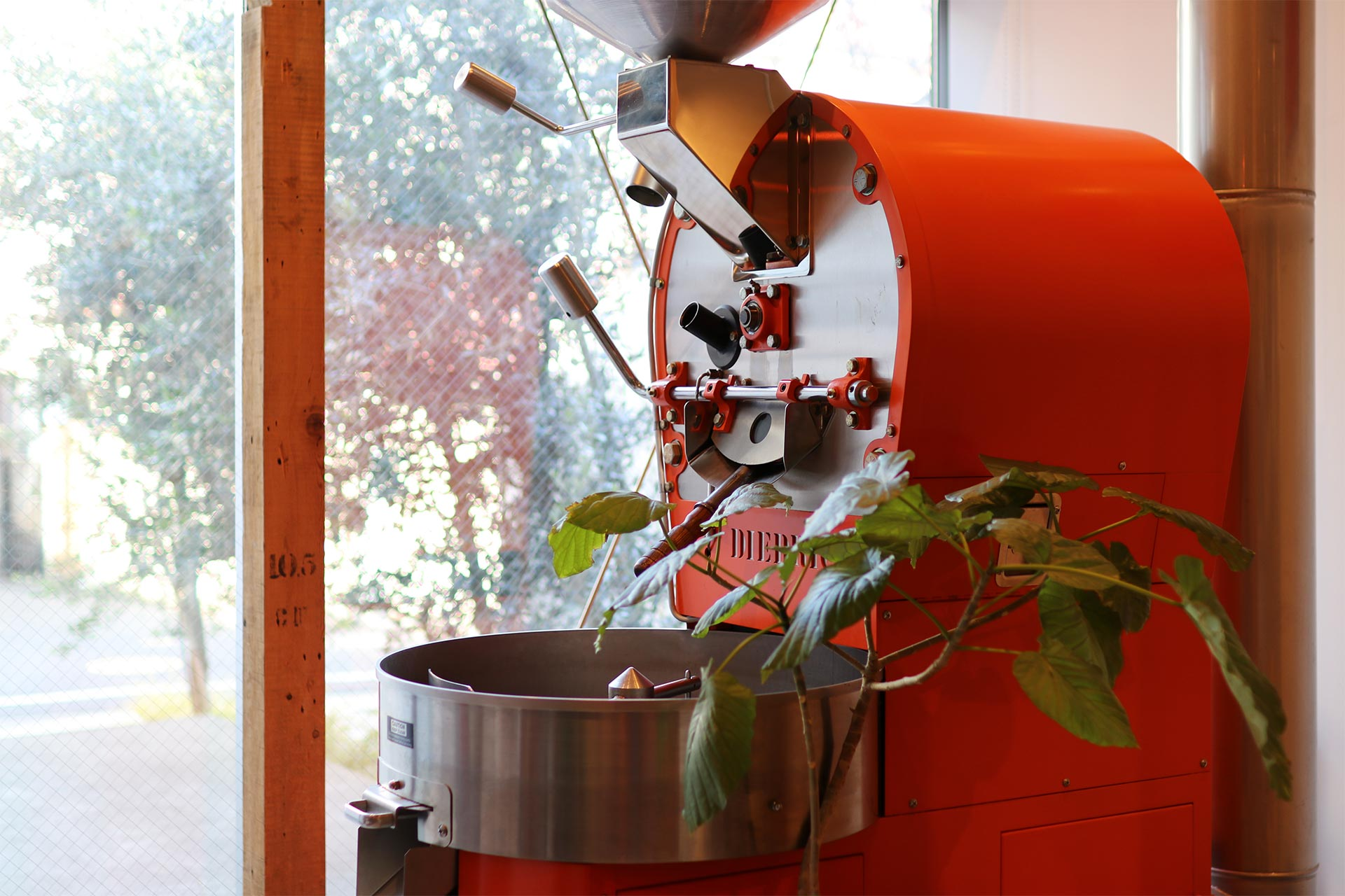 FINETIME COFFEE ROASTERSの焙煎機ディードリッヒ
